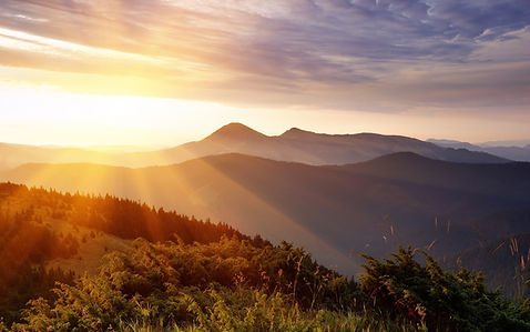 ws_Sunlight_Over_Mountains_2560x1600.jpg