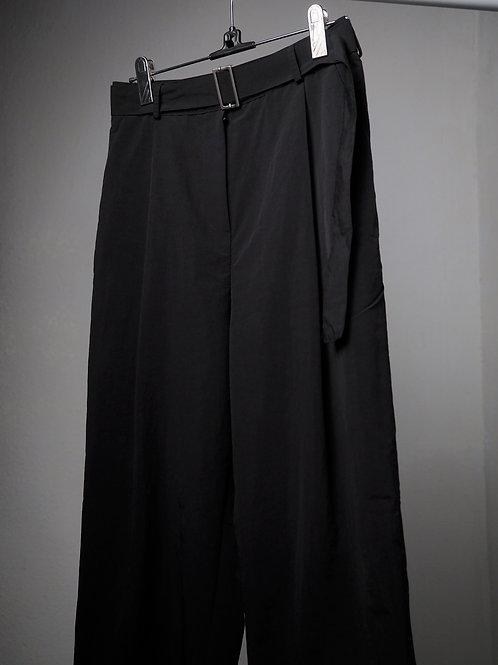 黑色尼龍條腳褲