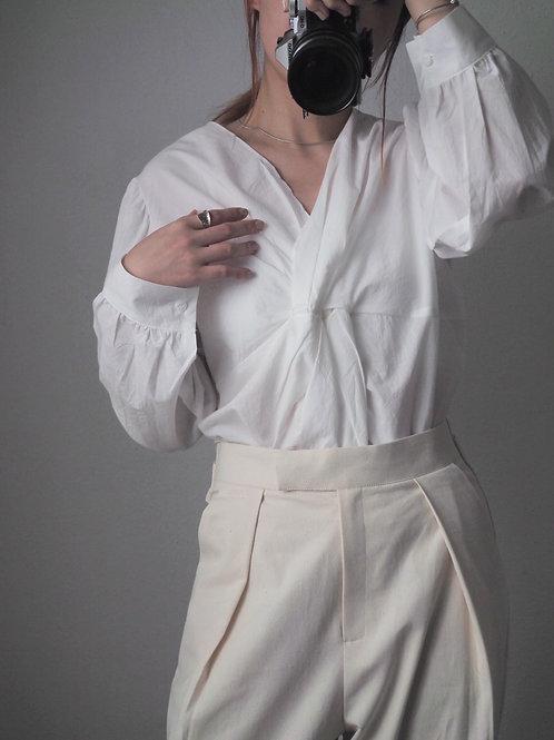 白色扭紋上衣