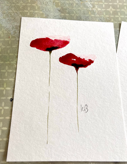 A set of 10 Poppy postcards in a voile gift bag