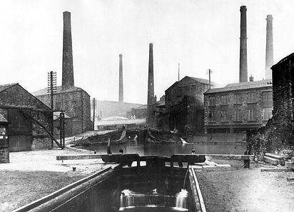 canal at Blackburn.jpg