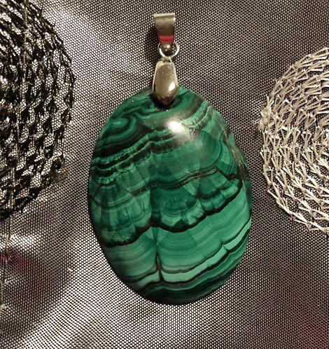 Magnifique pendentif en malachite naturelle