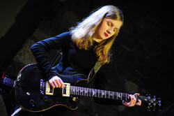 Guitars (84)