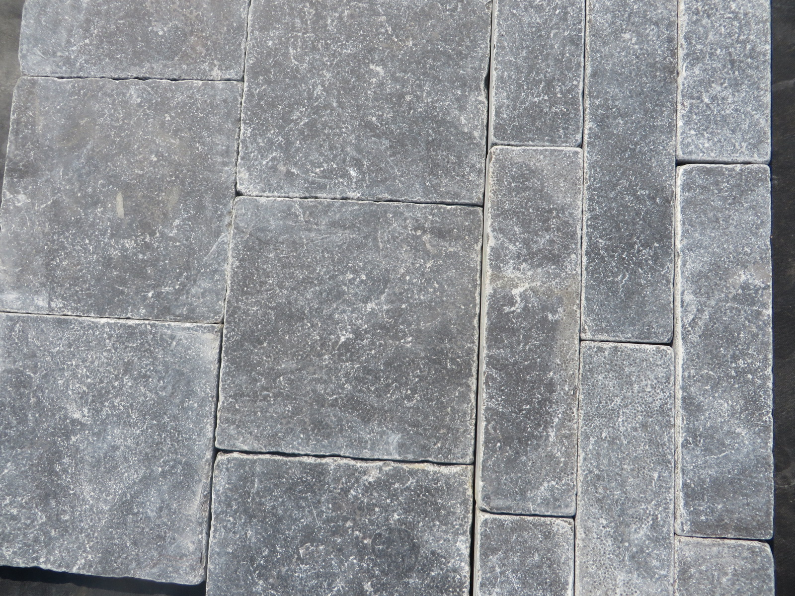 150x150x20mm Pavers / soldier border