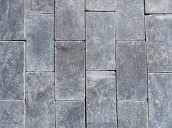 160x80mm Setts in staggered format.