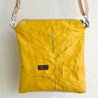 Quadrat22_gelb_beige_Gras.jpg