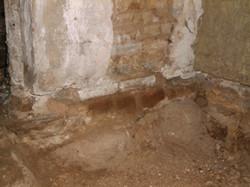 Frilagt munkestensfundament fra 1200-tallet