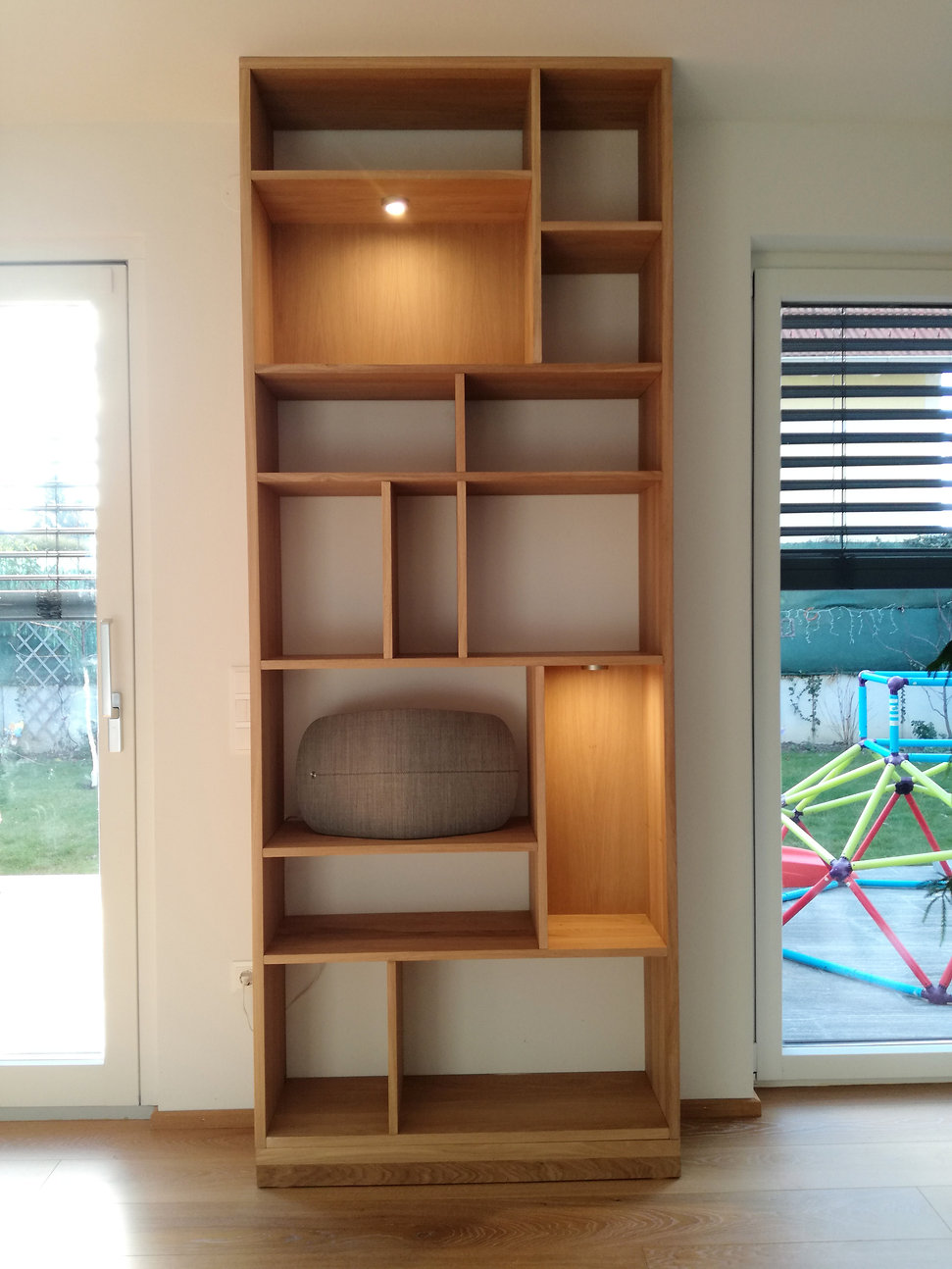 oak bookcase tg.jpg