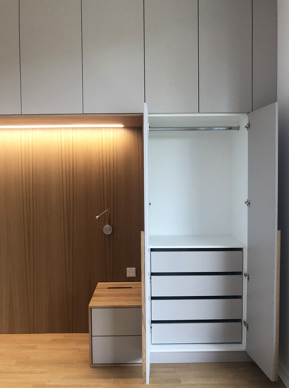 wardrobe_3.jpg