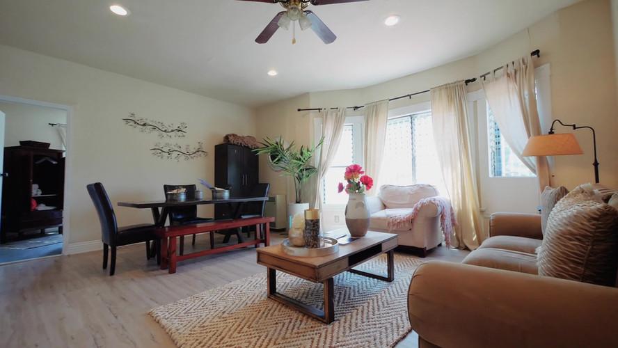 Livingroom 1.jpg