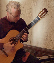 Book Kevin Love, Classical Guitar