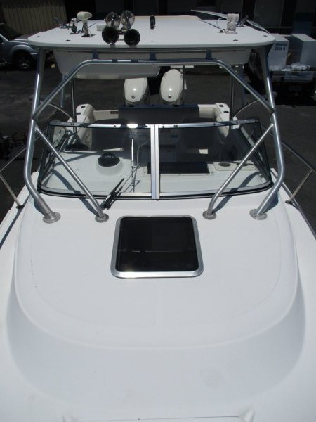 Boston Whaler 23 Conquest_17.jpg