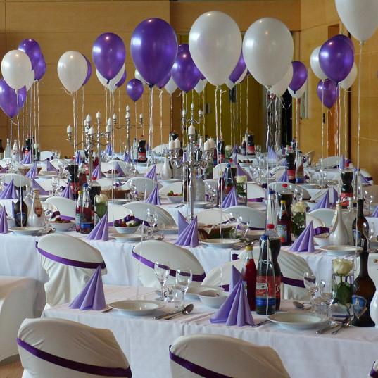 wedding-table-460365_1920.jpg