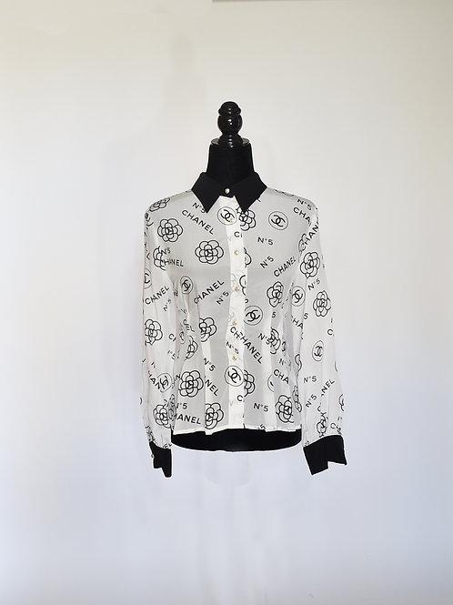 Blusa Blanca Estampado en Negro