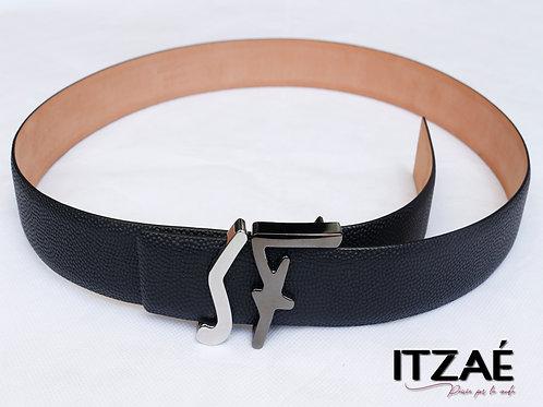 Cinturón delgado negro caballero
