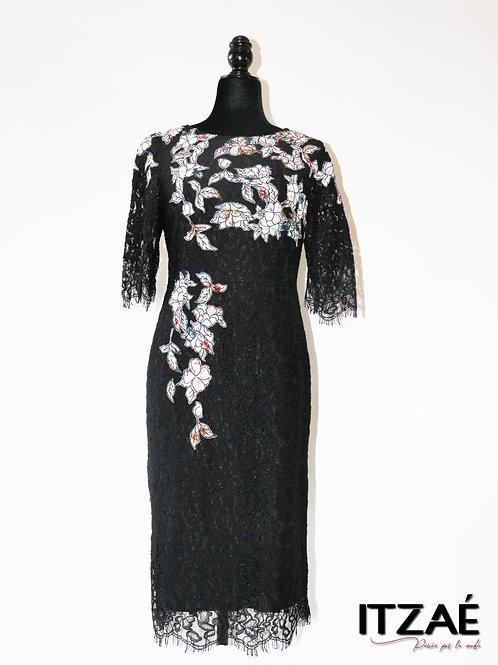 Vestido de encaje negro con estampado de flores