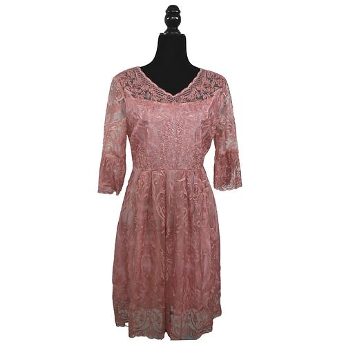 Vestido corto de encaje palo de rosa