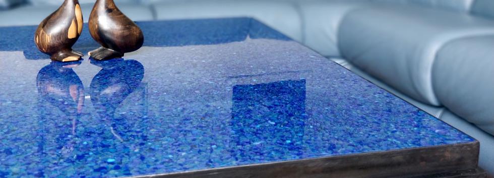 DIOTIS Cobalt Table Plastique Recyclé HIPS