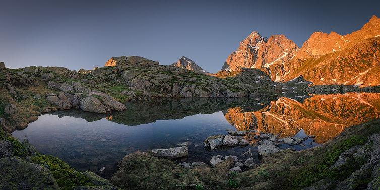 Pano Lago Superiore Alba WEB.jpg