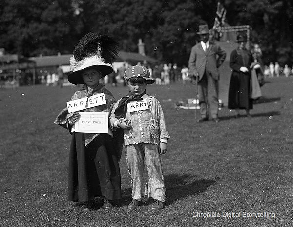 Cirencester Carnival 1920, Pearly King and Queen