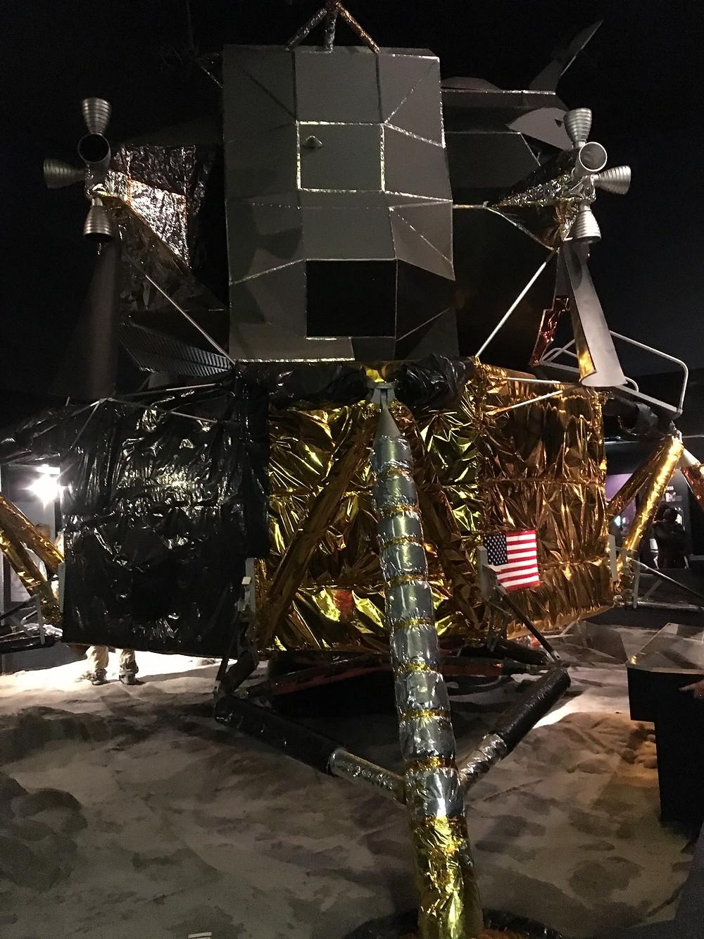 Moon lander, Chronicle Digital Storytelling