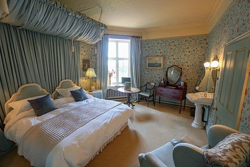 Accomodation 5 Hill Room.jpg