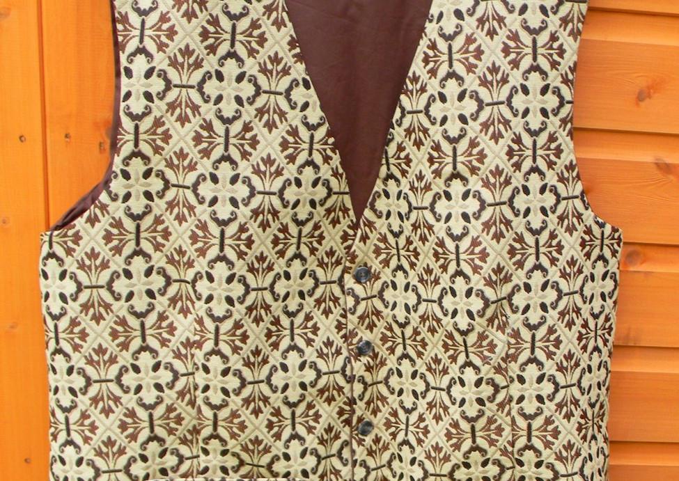 Waistcoat-Commissioned-001.jpg