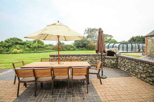 Patio and Outdoor Dining