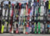 skis-3303653_1280.jpg