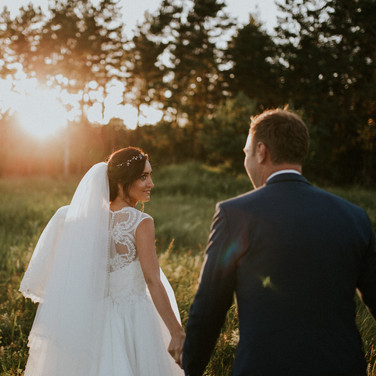 Seaside weddings are perfect for sunsets