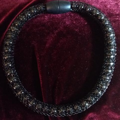 Schwarze Kupferdrahtkette nach Vikinger Art / 45€