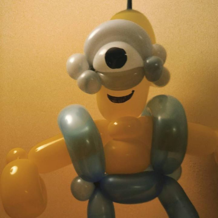 Learned a new balloon for today's Minion party _) Thank you Cody Williams fur the tutorial