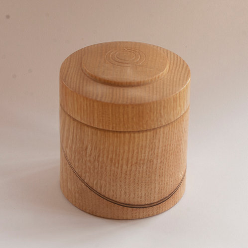Box in ash with inlay