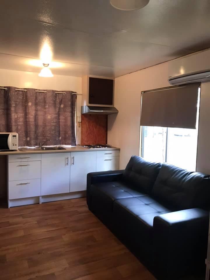cabin 10 4
