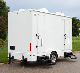 5 station portable restroom trailer luxury portable restroom - Bathroom Trailers
