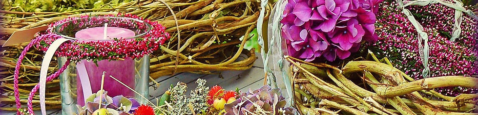 floral-decoration-1314000_1280.jpg