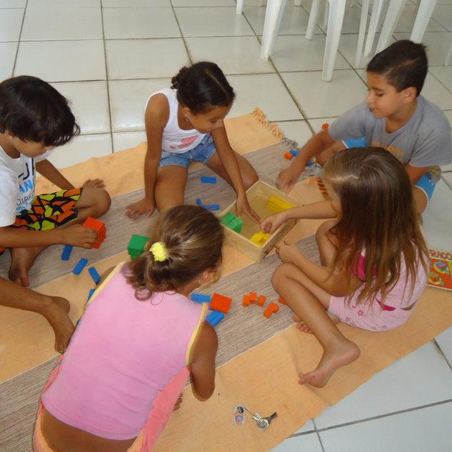 jogos e brinquedos.JPG