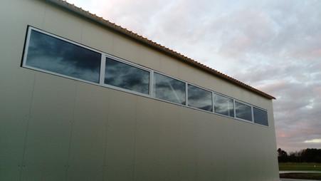 Остекление ангаров на аэродроме Новинки