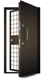 Решетчатые двери, тамбурные двери, двери в оружейную, двери в комнату хранения
