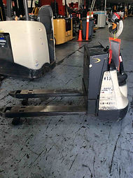 Crown WP electric pallet jack