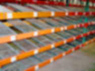 Flow rack, installed in warehouse spantrack for carton flow