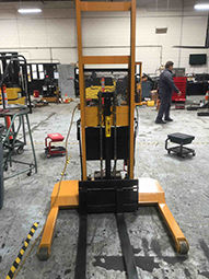 Big Joe Manual Push/Pull Stacker