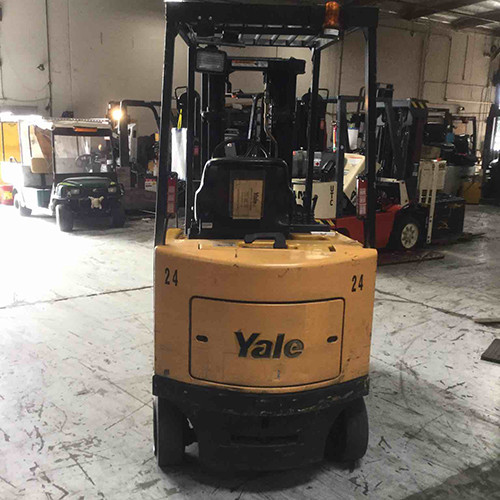Used Yale forklift front