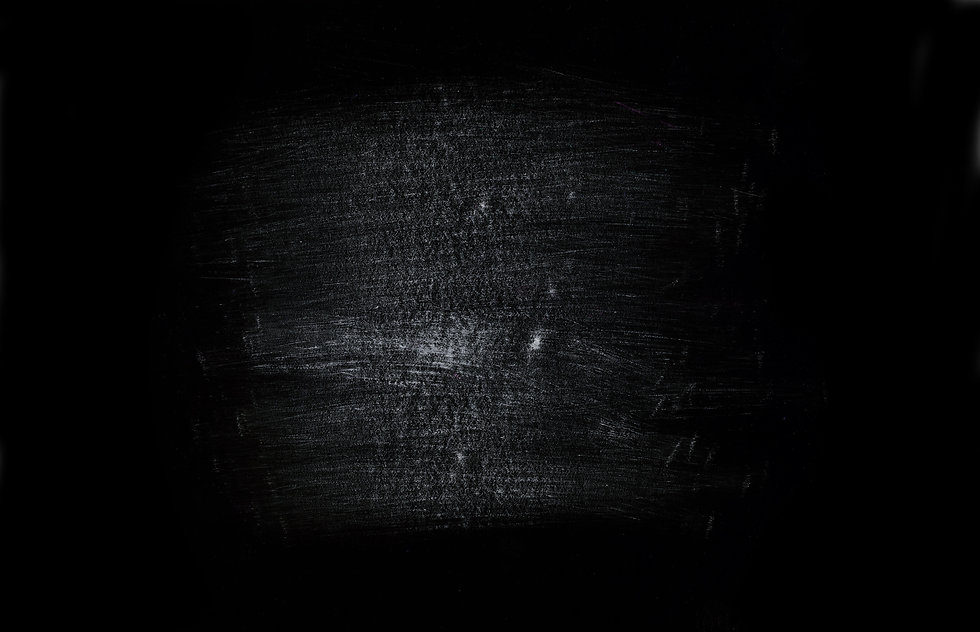chernyy-fon-carapiny-abstrakciya.jpg
