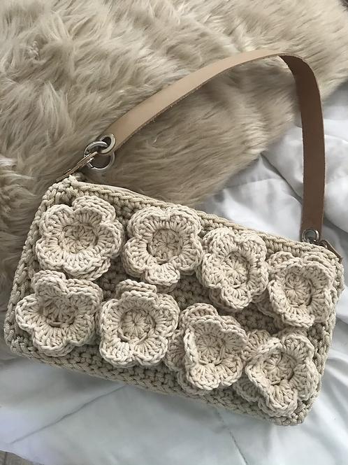 Bolsa baguete flores areia