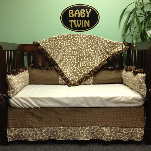 Crib set Tan Giraffe,Nursery bedding Jiraffe. Safari baby bedding.