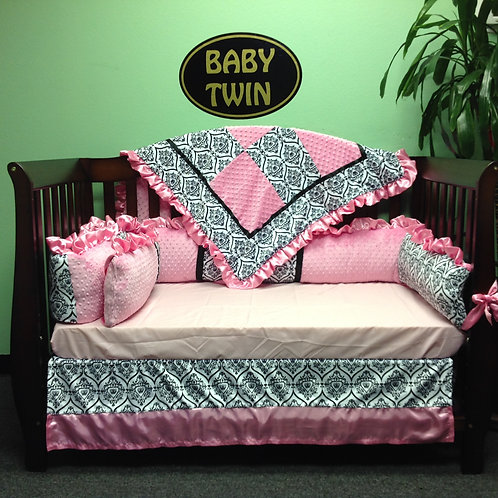 Crib set White and Black Crowns.Nursery bedding Crowns,Crib set Girl.