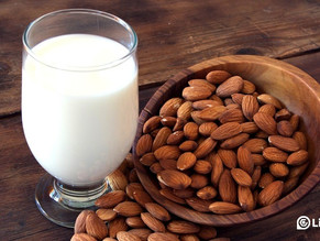 Here are the 11 benefits for taking almond milk