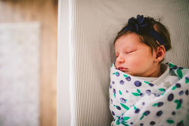 40 Watt Photo Newborn Photography