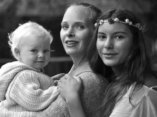mit Mama und Schwesterchen Philomena